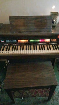 Electric organ with bench Cleveland, 77328