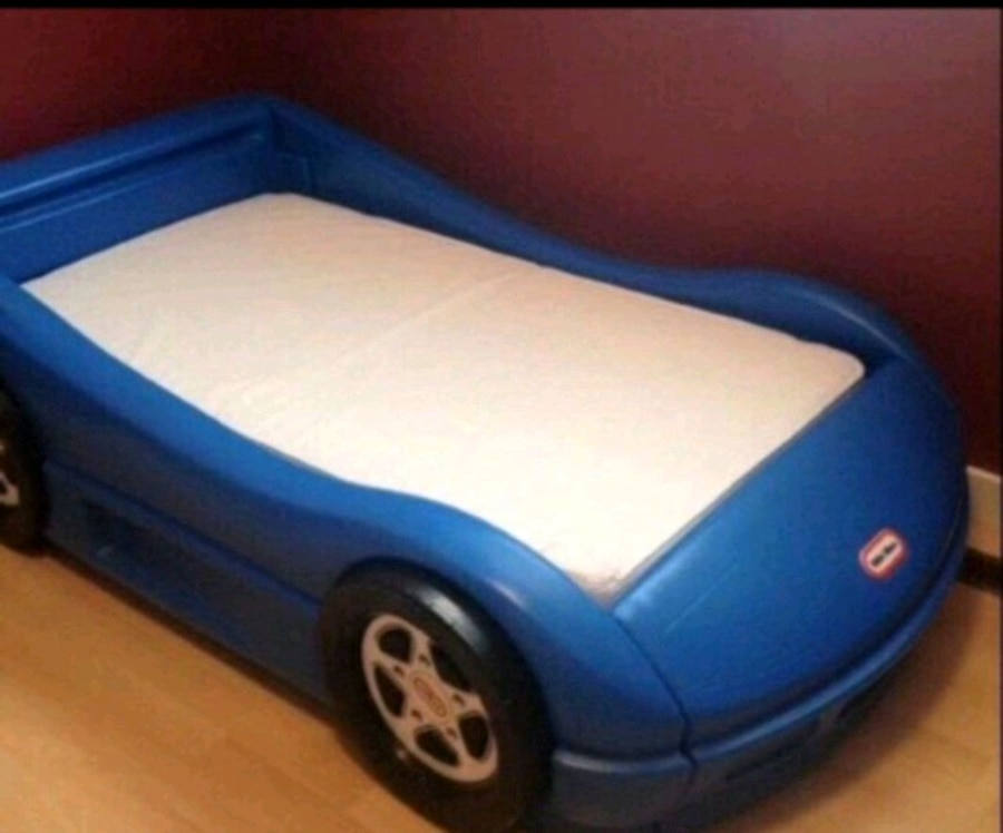 Photo Little tikes blue racecar bed