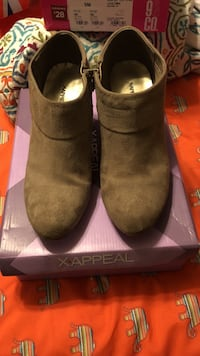 size 8 1/2 Cantonment, 32533