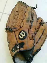 brown and black Wilson baseball mitten Brea, 92821