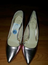 Size 8 1/2 shoes Bakersfield, 93309