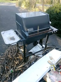 Weber grill with quick-release gas connections Fairfax, 22032