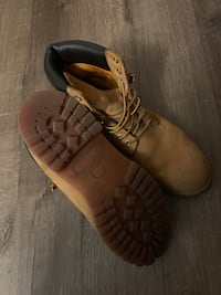 Timberland boots (10.5) Vancouver, V5P 1L4