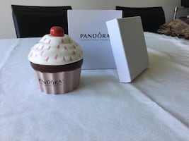 Pandora pink ribbon cupcake jewellery box