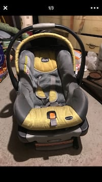 baby's gray and black Chicco car seat carrier Washington, 20024