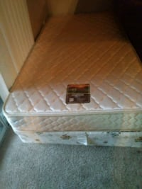 white and brown floral mattress Atlanta, 30360