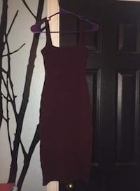 Burgundy Tight Fitted Dress Toronto, M3M 1G5