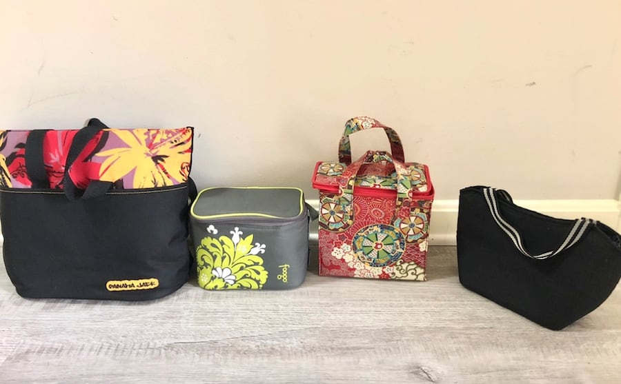 Lot of 4 Insulated Totes lunch bags 2f768284-84a0-4cba-9fab-5b970be5fc83