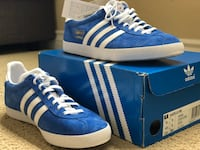 Pair of blue-and-white adidas sneakers Arcadia, 91007