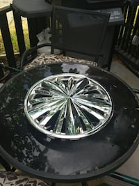 hub cap 1 only perfect for a spare tire on trailer