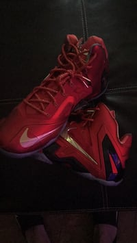 pair of red Nike basketball shoes New Port Richey, 34652