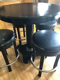 Wood counter height table set Barrie, L4N 5S7