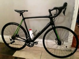 Carbon fiber cannondale is synapes