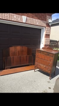 Beautiful antique double bed frame and dresser Innisfil, L9S 4V1