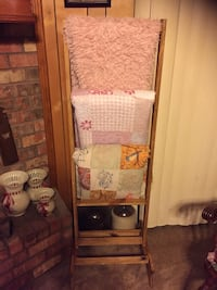 All wood quilt rack