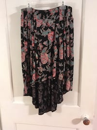 Kimchi blue urban outfitters floral hi-lo skirt size medium Gainesville, 32601