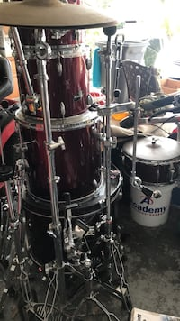 Complete Ludwig drum set with zildjian hi hats and cymbals