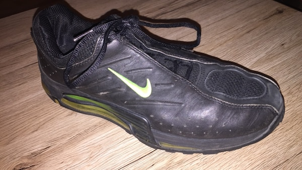 low priced 73244 f37e2 Used Unpaired svart och grön NIke sneakers for sale in Malmö