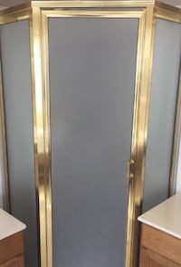 Corner shower with frosted glass doors Willingdon, T0B 4R0