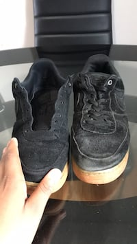 pair of black Air Jordan basketball shoes Washington, 20024