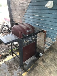 Brinkmann gas grill and propane tank Nashua, 03060