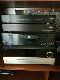 Harmon Kardon stereo with speakers and subwoofer