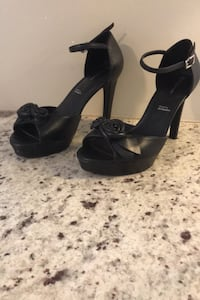 "Ladies leather rockport 4"" heels Thames Centre, N0L 1G3"