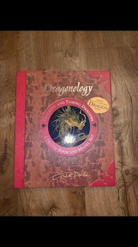 Dragonology book with dragon model inside to build  42 km