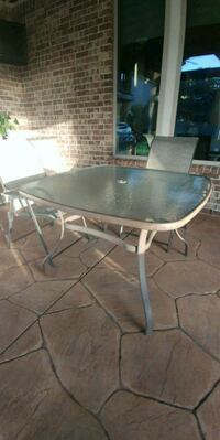 rectangular gray metal framed glass top patio table Richmond, 77406