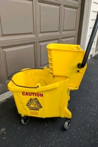 Rubbermaid Mop Bucket and Wringers (15 available)