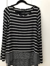BCBG Top Size Small Surrey