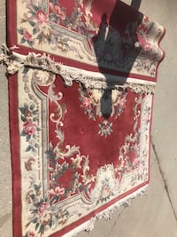 Area Rug Carpet almost New great condition