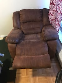 Brown leather recliner chair, love seat and sofa Toronto, M3J 1V6