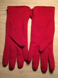 Small red gloves