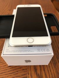 Iphone 8 64GB 10/10 New Westminster, V3M