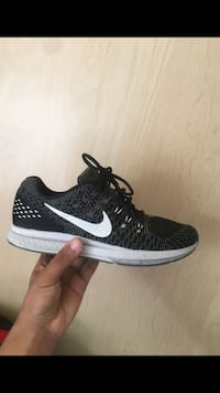 Price is negotiable Nike zoom structure 19 men size 8.5 Vancouver, 98661