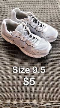 Running Shoes Size 9.5 - $5 Providence, 02906