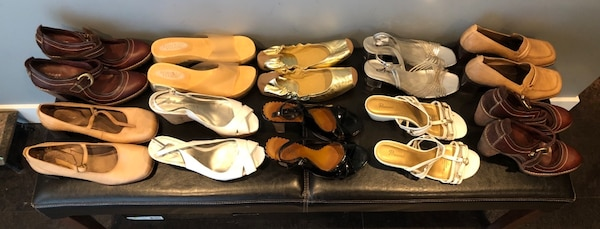 Bulk 13 pair shoe lot . Mostly size 7 , and 8 7b720e12-baca-4322-bd2b-d609f48aee7e