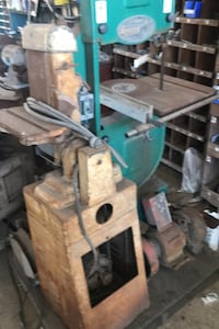 """Grizzly 18"""" upright bandsaw"""