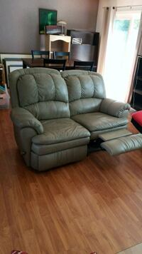 Imatation Leather recliner Sacramento, 95827