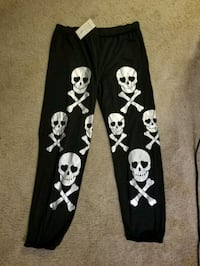 New large black skull pants  Seattle, 98109