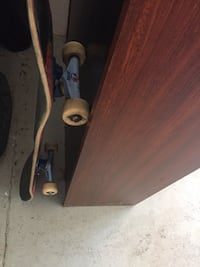 Semi used deck with Morgan smith Toronto blue jays trucks and wheels (complete setup) ready to ride. Originally $140  553 km