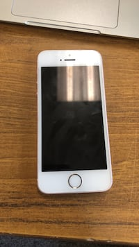 iPhone SE great condition  Markham, L3S