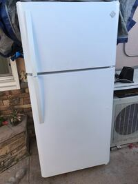 white top-mount refrigerator Westminster, 92683