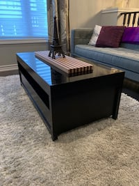 Coffee table - check other ad for matching bar Toronto, M4A 0A4