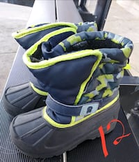 Toddler 12 snow boots Flint