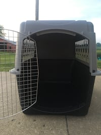 Almost brand new extra large dog crate Circleville, 43113