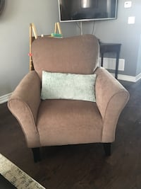 Sofa chair  Vaughan, L4L 3V6