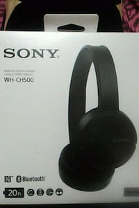 black sony wireless headphones  Toronto