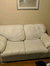White Leather Love Seat/ Couch Lansing, 48912
